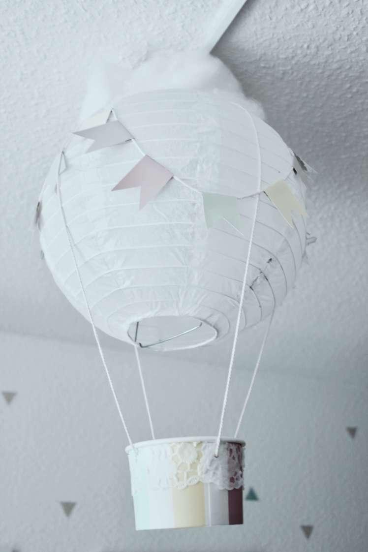 DIY für traumhafte Heißluftballons aus Lampions für Babyzimmer oder Kinderzimmer selber machen