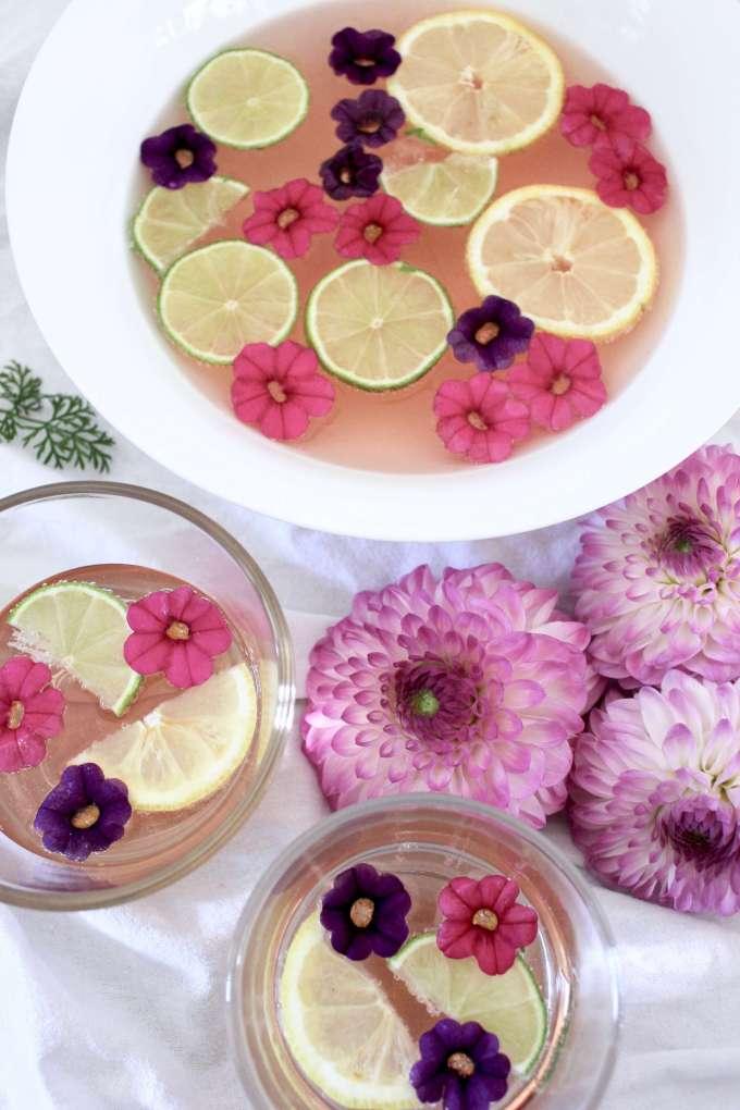 DIY: Schnelles Rezept für Rose-Bowle