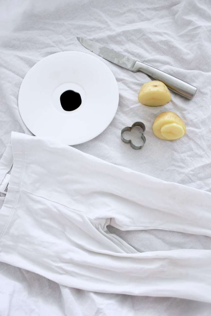 DIY: Weiße Kinderhose ganz einfach selber bedrucken mit Kartoffeln
