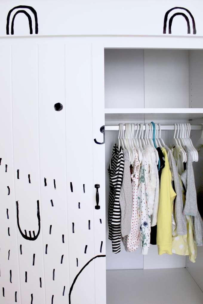 Kleiderschrank DIY für das Kinderzimmer: einfache & schnelle Deko-Idee