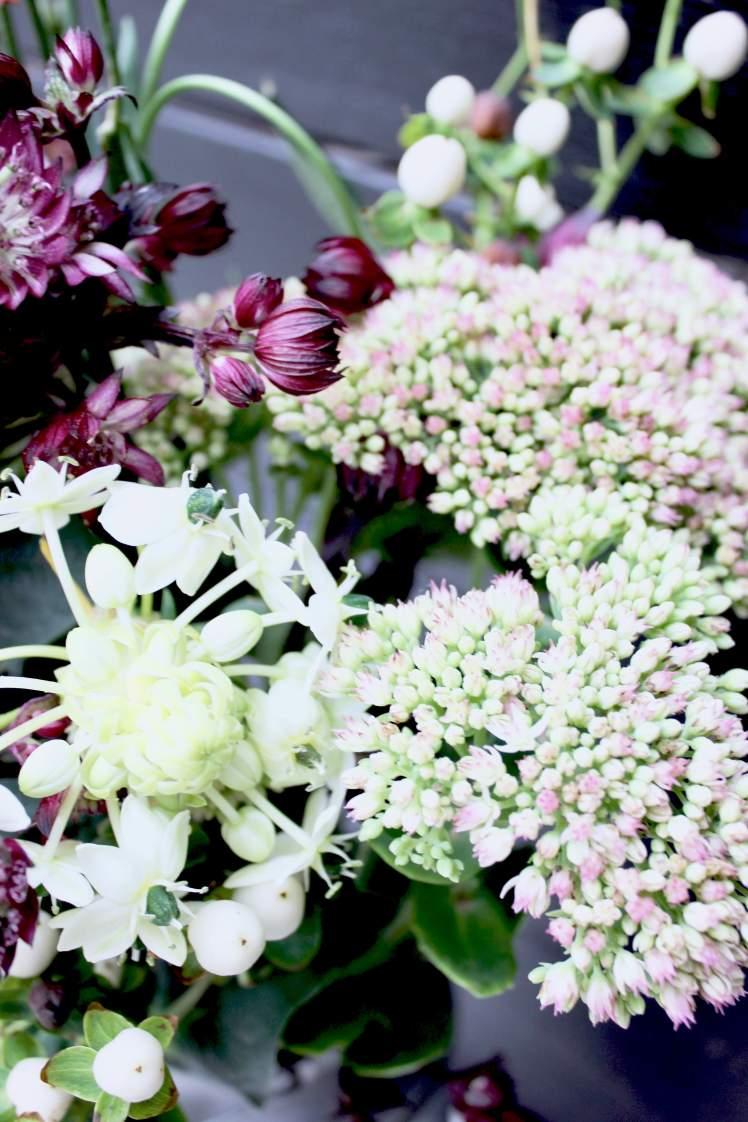 DIY-Blumenstrauß aus Brombeeren selber machen