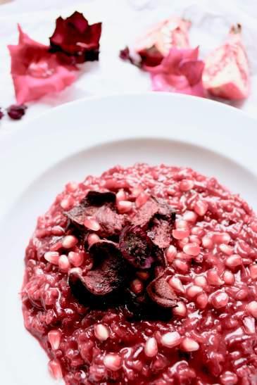 Rezept für Rote Beete Risotto mit Granatapfel und Rote Beete Chips