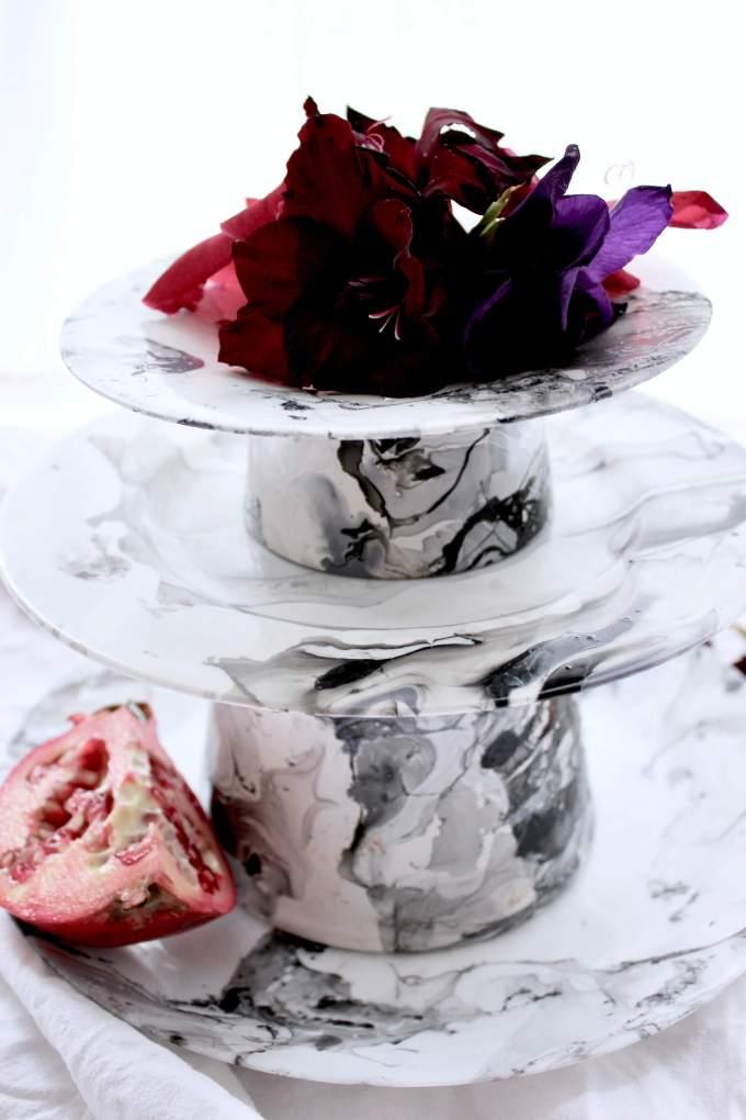 DIY-Idee: Etagere mit Nagellack selber machen und dekorieren für den Herbst