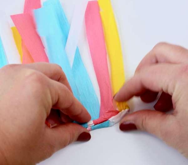 Einhorn-DIY-Geschenk-Idee: Ikea Fado Hack: Einhorn Lampe
