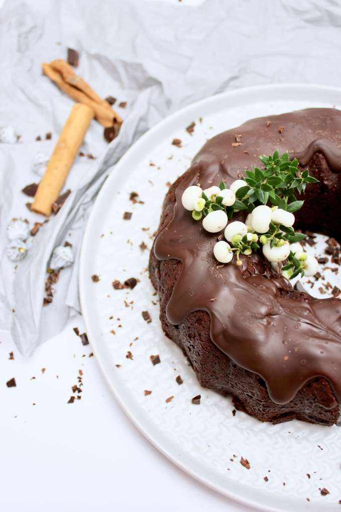 Guglhupf-Rezept: Glühwein-Kuchen mit Schokolade selber machen