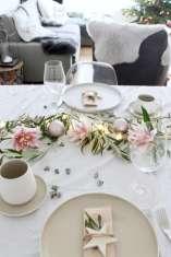 DIY-Ideen: Skandinavisch mit Olivenzweigen: Festliche Tischdeko für Weihnachten mit Lichterkette