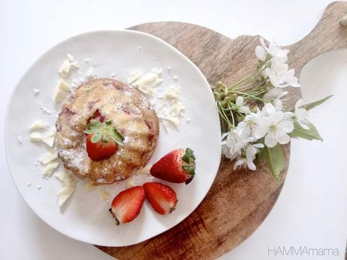 Rezept für Muffins mit Erdbeeren und Rhabarber