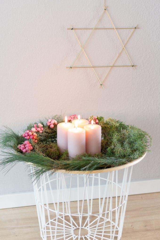inspiration f r einen adventskranz in ros hammamama. Black Bedroom Furniture Sets. Home Design Ideas