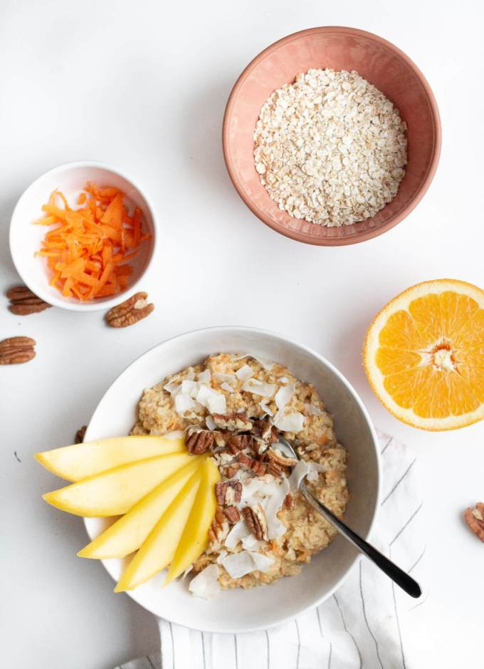 Rezept für Carrot Cake Oatmeal auf deutsch - Ein gesundes Frühstück