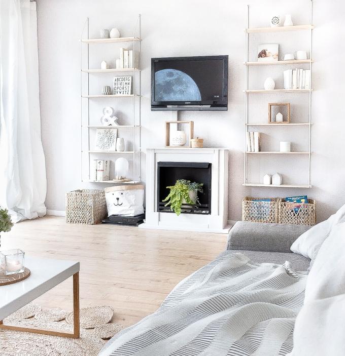 Skandinavisch Wohnen im Wohnzimmer mit Deko für den Sommer