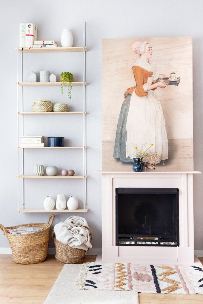 Moderner Kamin: Eine skandinavische Wohnzimmer-Deko und Ablenkung vom Fernseher