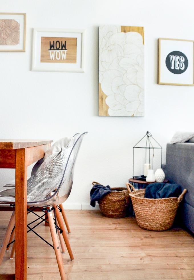 Interior Ideen: Skandinavisch Wohnen im Esszimmer und Bilder als Deko