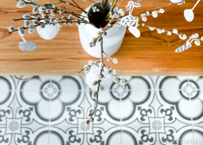 Schmalen Flur skandinavisch gestalten mit Farbe und Fliesen im marrokanischen Stil